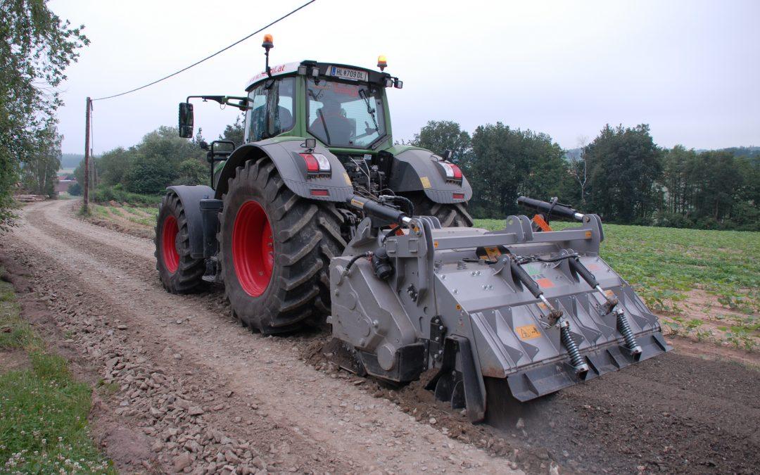 Sanierung und Stabilisierung alter Güterwege durch Fräsen