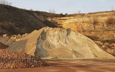 """""""Mineralische Baustoffe bleiben ewig im Kreislauf"""" – Interview mit Dr. Andreas Pfeiler, Geschäftsführer Fachverband Steine-Keramik"""